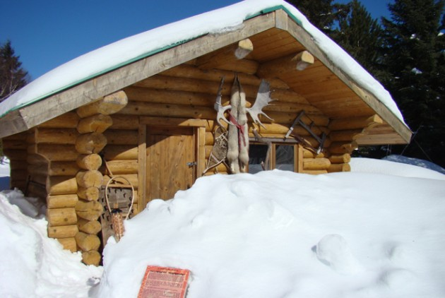 auberge-trappeur-camp-bucheron-hiver
