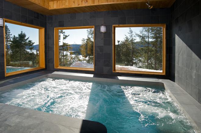 geos-sacacomie-piscine-interieure