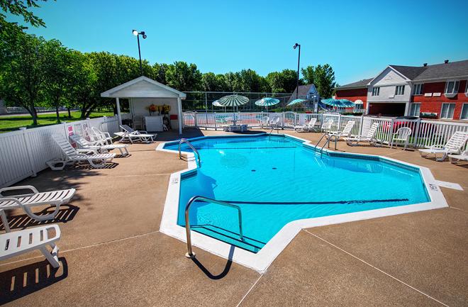 H bergements avec piscine en mauricie 23 h tels et g tes for Couvrir piscine exterieure