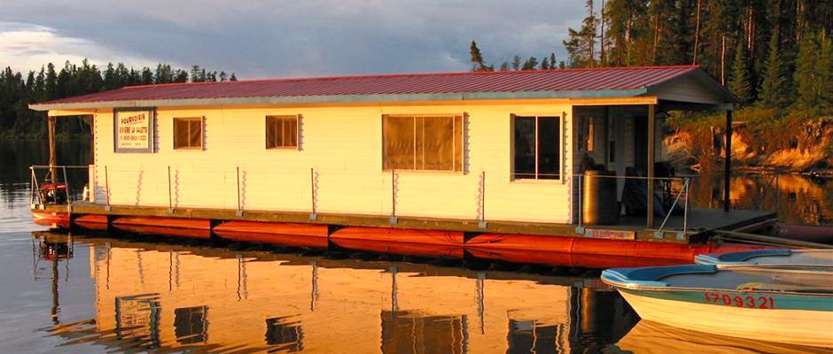 Pret A Rabais >> Bateau-maison: un voyage de pêche original sur le