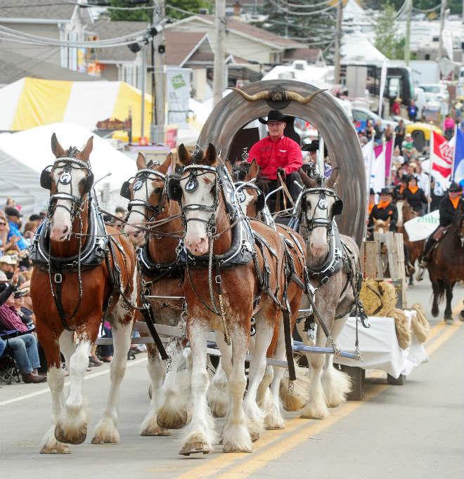 festival-western-parade