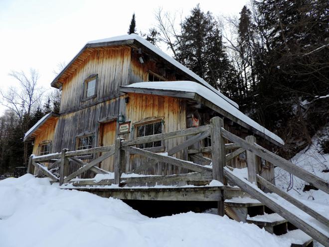 patinage-baluchon-cabane-hiver