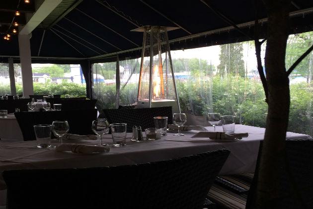 Castel_des_pres_terrasse_TM