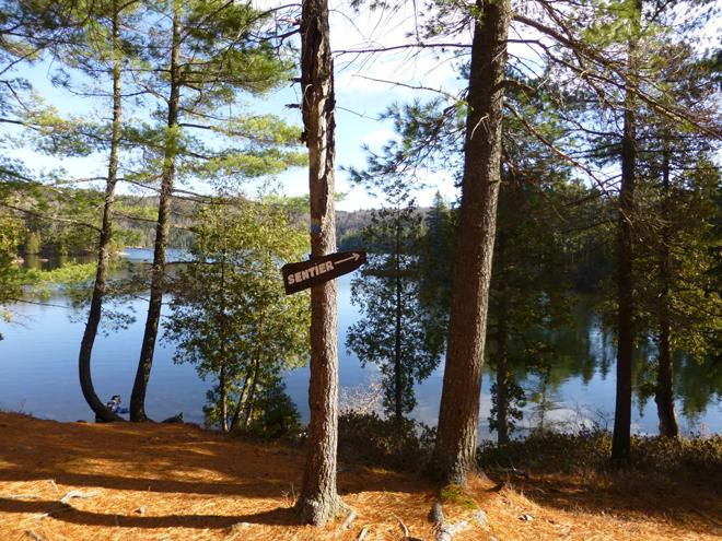 camping-aire-nature-grandes-piles-bord-eau