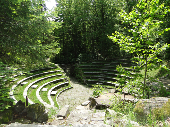 parc-recreoforetier-st-mathieu-amphitheatre-foret