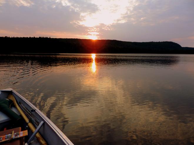 pourvoirie-lac-oscar-coucher-soleil-chaloupe-lac