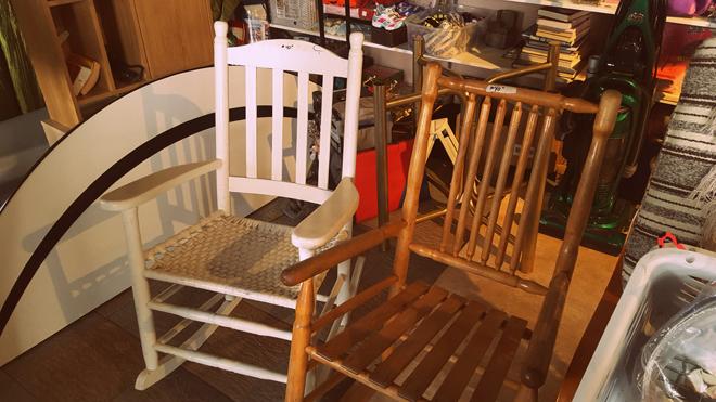 brocante-chez-huguette-louiseivlle-antiquites-chaises