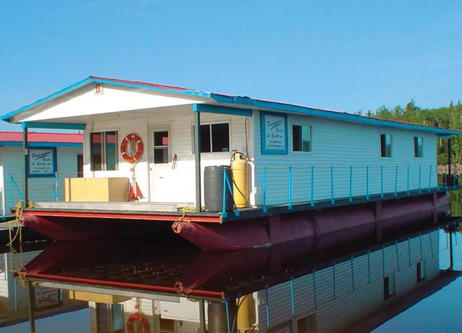 pourvoirie-riviere-galette-bateau-maison