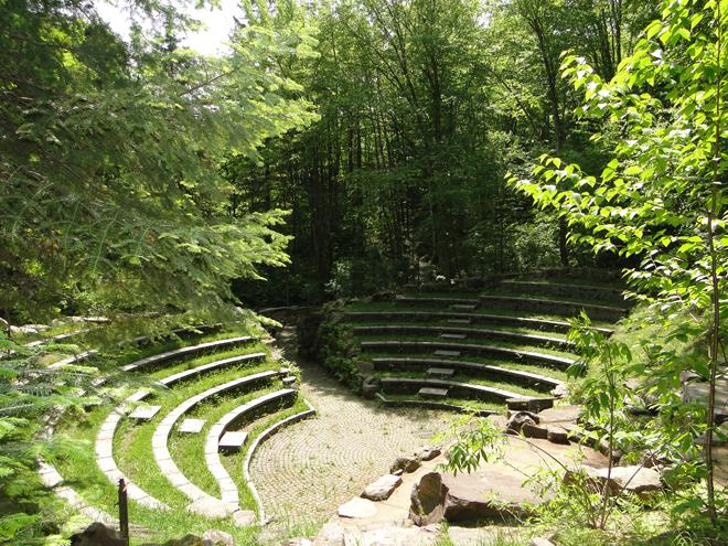 amphitheatre-coeur-de-la-foret-st-mathieu
