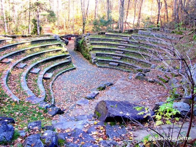 amphitheatre-foret-st-mathieu