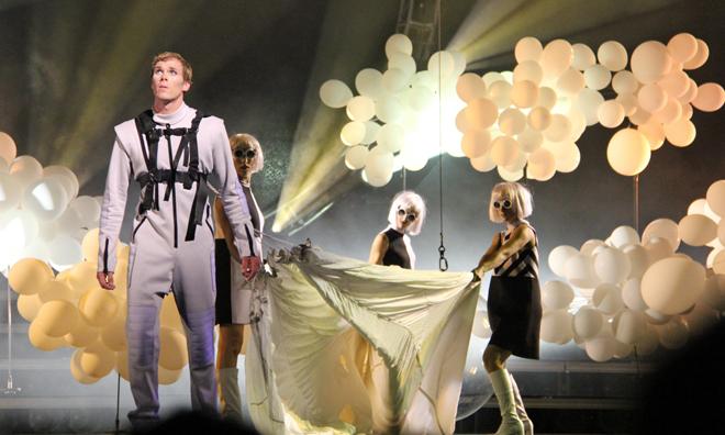 cirque-du-soleil-tout_ecartille_Charlebois