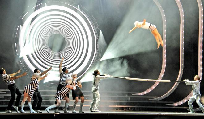tout_ecartille_cirque_soleil