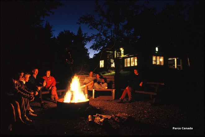 Wabenaki Feu Camp_CT Parcs Canada copie
