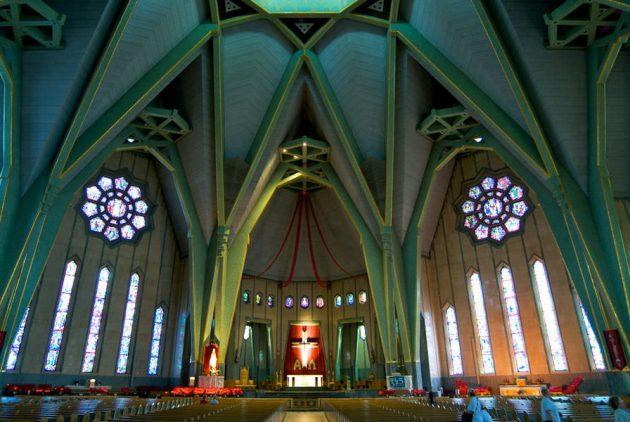 Sanctuaire-Notre-Dame-du-Cap_Slider_TM