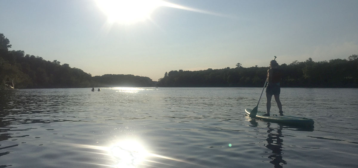 paddleboard-riviere-st-maurice-tourisme-mauricie