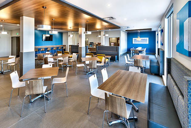 Salle à manger du Holiday Inn Express & Suites de Trois-Rivières
