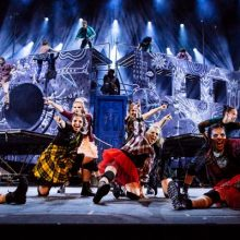 serie-hommage-colocs-cirque-soleil-4TM