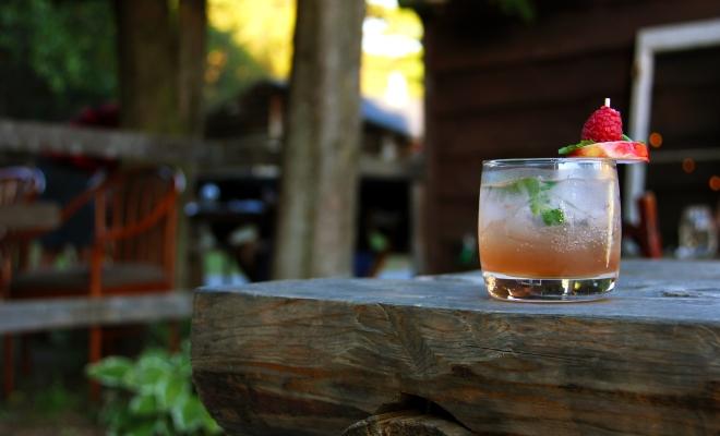Cocktail amaretto miel rhum morbleu, Cookerie du village