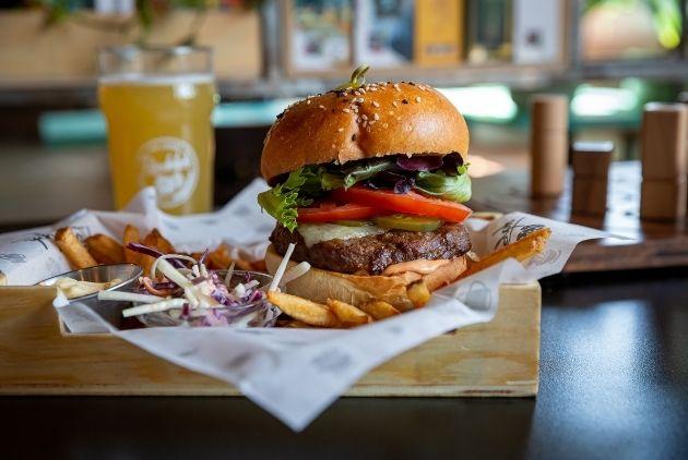 Randolph Pub Ludique Burger Repas